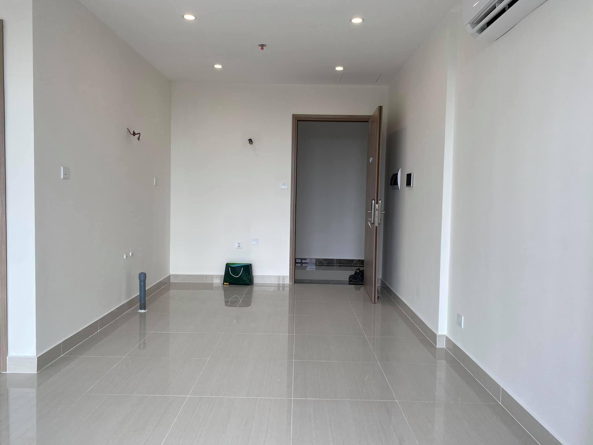 Căn hộ 2 phòng ngủ 2wc nhà trống toà S1.02 giá 5,5tr/tháng 7
